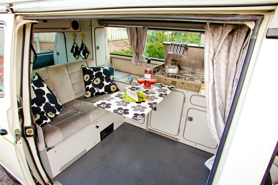 Volkswagen t3 westfalia california camper experience for Interieur westfalia t3