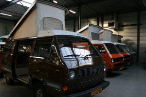 bruine t3 hefdak camper volkswagen met joker interieur
