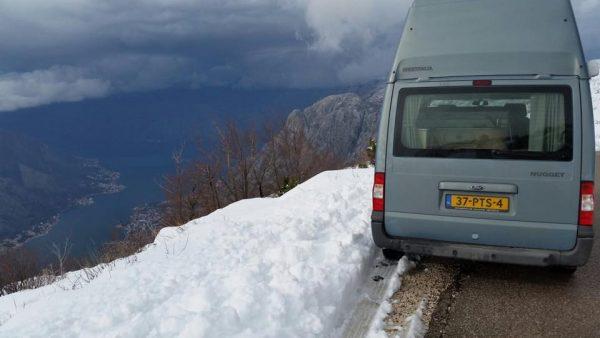 avontuur in de sneeuw met de Ford Nugget